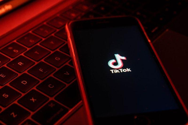 Saiba como juntar dois vídeos no TikTok
